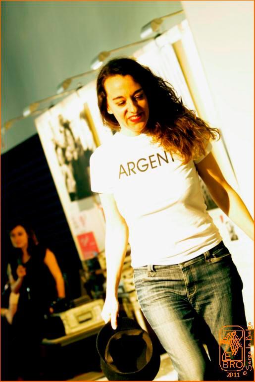 Performance La vida d'artista, Tous à l'art, Mars 2011, Nice par Serge le Belge